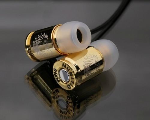 Золотые наушники в виде пуль