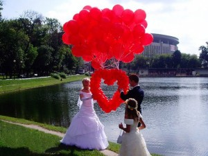 Какой выбрать подарок на свадьбу?