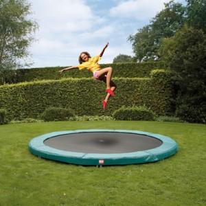 Прыжки на батуте – отличная физическая форма и настроение надолго