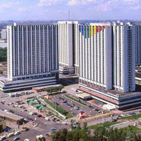 Едем в именитую гостиницу в Москве