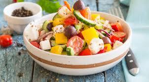 Меню холостяка: греческий салат